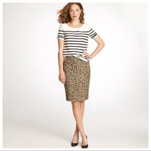 Banana Republic Pencil Skirt in Leopard Size 2